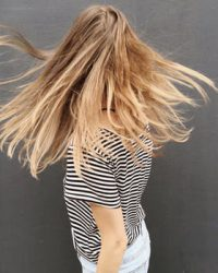 Prendre soin de ses cheveux avec un shampoing beauté brillance